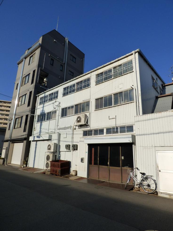 大阪市港区波除倉庫